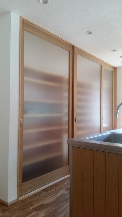 キッチンの収納扉
