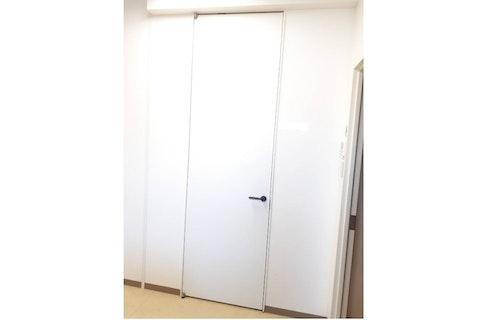 愛知県S社 休憩室のドア